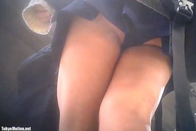 《盗撮》1日履いて食い込んでしまった女子校生の蒸れた黒パンティマジたまらんww