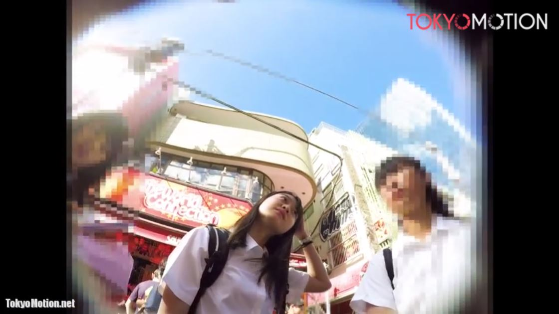 《女子校生パンティ前から後ろから逆さ盗撮》街で見つけたJKパンチラ動画♪