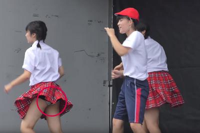 【文化祭 パンチラ】激しいダンスにブルマが食い込み盛大にパンチラしちゃったJKちゃん♡ 問題のシーン2:15