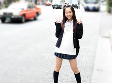 「秋葉行くけど今から会える人ー?」女子校生のつぶやきに返信したらめちゃカワな女の子が来たwwしかもカラオケでオナニー、足コキに中出しなんでもしてくれる天使だったww
