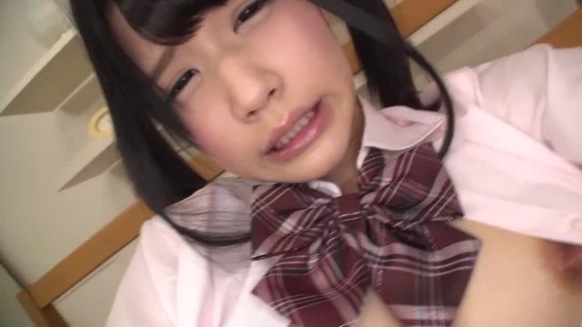 ※観覧注意※ JK入学前か?完全アウトな童顔少女のオナニーがめでたく流出 涼宮琴音