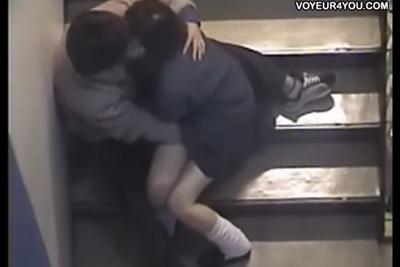 《青姦 盗撮》非常階段で愛を深める●校生カップルを上から盗撮ww