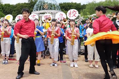 【文化祭 パンチラ】現役JKの黒パンストから透ける純白パンティエロ過ぎるww 問題のシーン0:38
