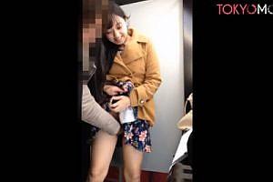 《個人撮影》例の女子校生とプリクラハメ撮り♪喉奥ガン突きイマラチオに悶える彼女に容赦なく顔射ww