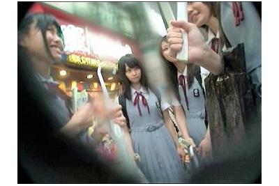 《素人ナンパ企画》『アウトォw』処女の制服美女子校生たちが修学旅行中に悪い大人達にAV出演させられ強制性教育!!