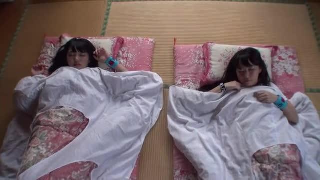 双子の妹JKを目覚まし電マで起こした結果