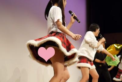 【アイドル パンチラ】超ローアングルでアイドルのスカートの中が…ww 問題のシーン4:16