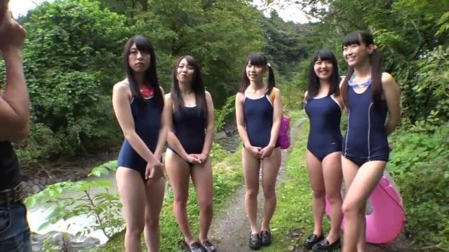 スク水で川遊びする修学旅行中のJKに遭遇♪Hなおねがいしてみた結果・・・