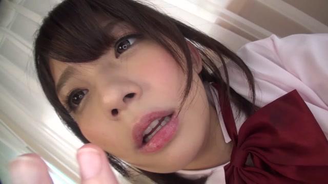 「ねぇ、見て こんなに糸引いてる///」彼氏のオナネタに自撮りオナニー送った美少女JKの動画が拡散される悲劇ww 麻里梨夏