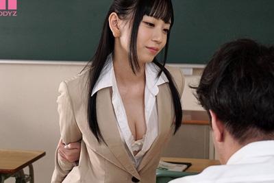 《18歳 七沢みあ》スーツで生徒を誘惑♡思春期の反り返ったチ●ポを貪る変態女教師♪【おチ○ポ挑発練習中!! 誘惑新任女教師 七沢みあ】